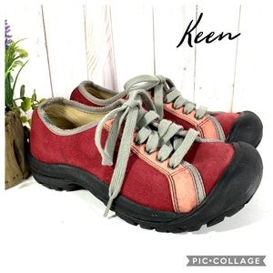Keen red and pink lace up sneakers 6